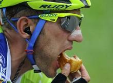 eten tijdens wielrenen